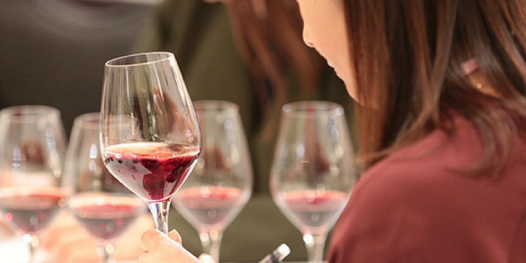 sakura award wine women